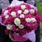 31 яскрава троянда в капелюшній коробці