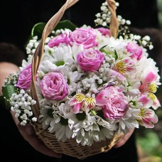"""Небольшая корзина цветов """"Милашка"""" на заказ"""